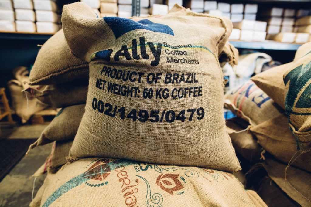 saca de café do Brasil como demonstrativo que precisamos de novas formas de distribuição de alimentos